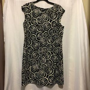 Women's sheath dress by AGB  size 16 black /white